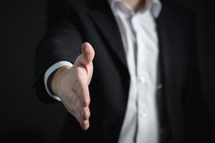 El procurement es un profesional que centraliza las adquisiciones de una empresa